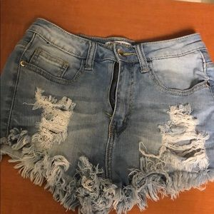 Fashion Nova Cheeky frayed hem shorts